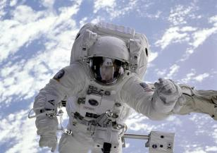 Отбелязваме Световния ден на авиацията и космонавтиката