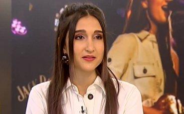 Дъщерята на Тодор Батков пусна дебютно музикално парче