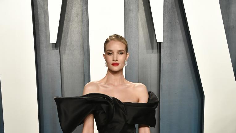 Прелестните модни моменти на Роузи Хънтингтън-Уайтли