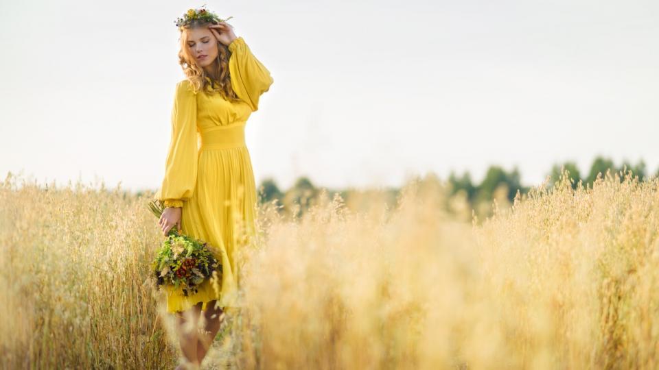 жена пролет лято цветя природа