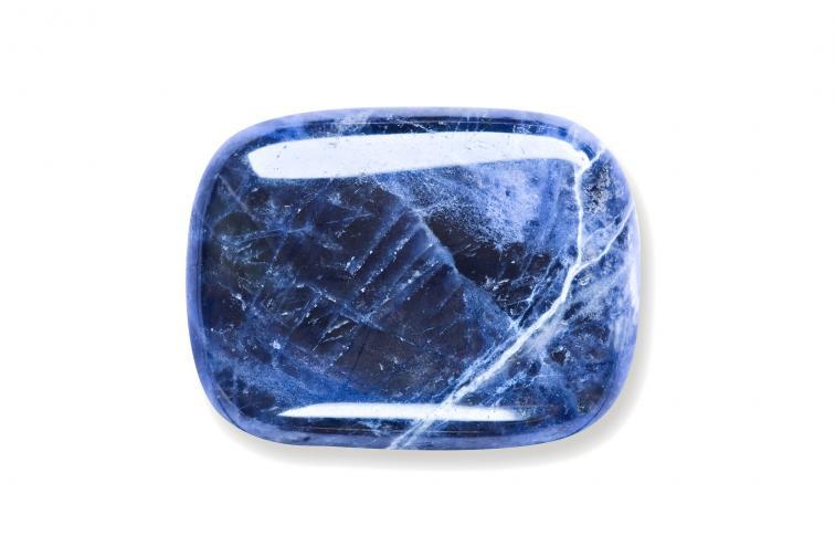 камък содалит