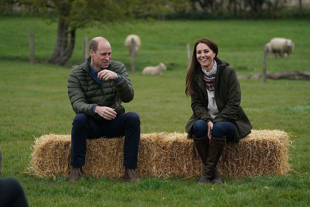 Принц Уилям и Кейт се запознаха отблизо с фермерския живот