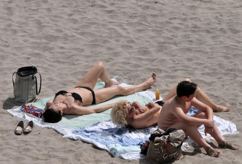 Най-нетърпеливите откриха летния сезон в Бургас