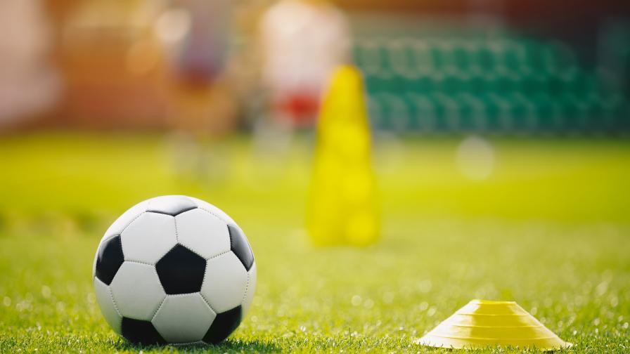 Пребиха момиче по време на женски футболен мач