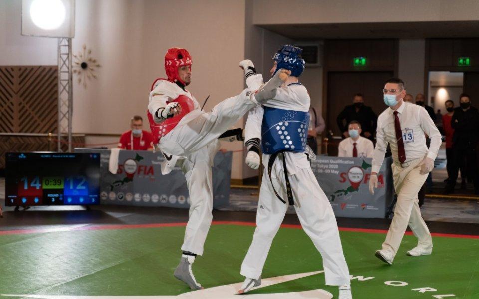 България стартира с две победи втория ден на олимпийските квалификации