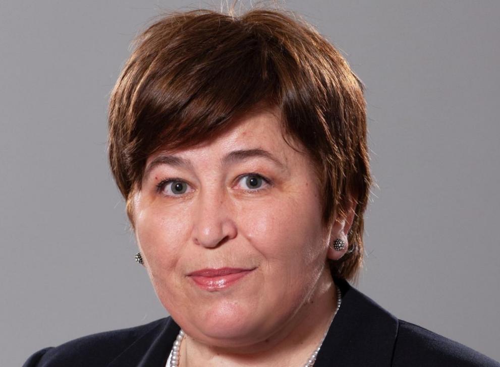 Коя е Стела Балтова - служебен министър на туризма - България - DarikNews.bg
