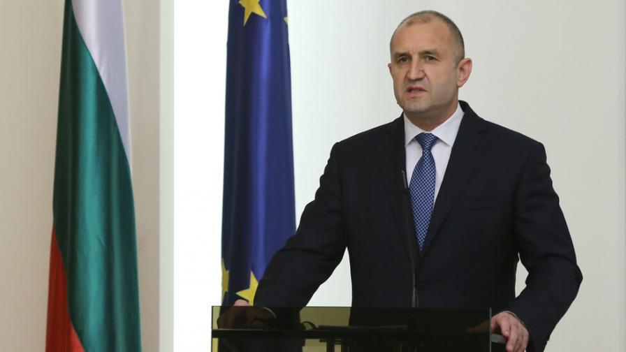 Радев: България ще дари голямо количество ваксини срещу COVID-19 на Скопие