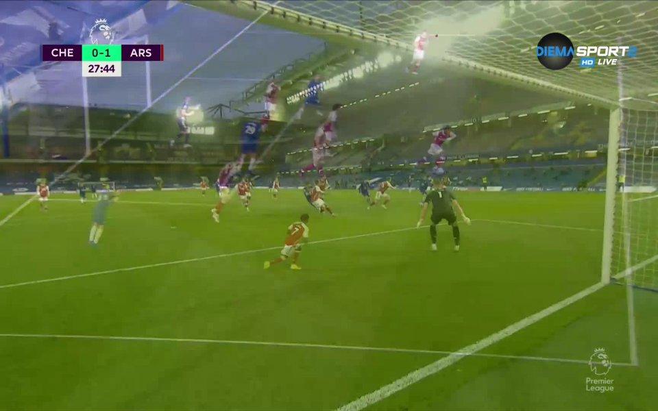 Челси и Арсенал се оттеглиха на почивката при 0:1 в