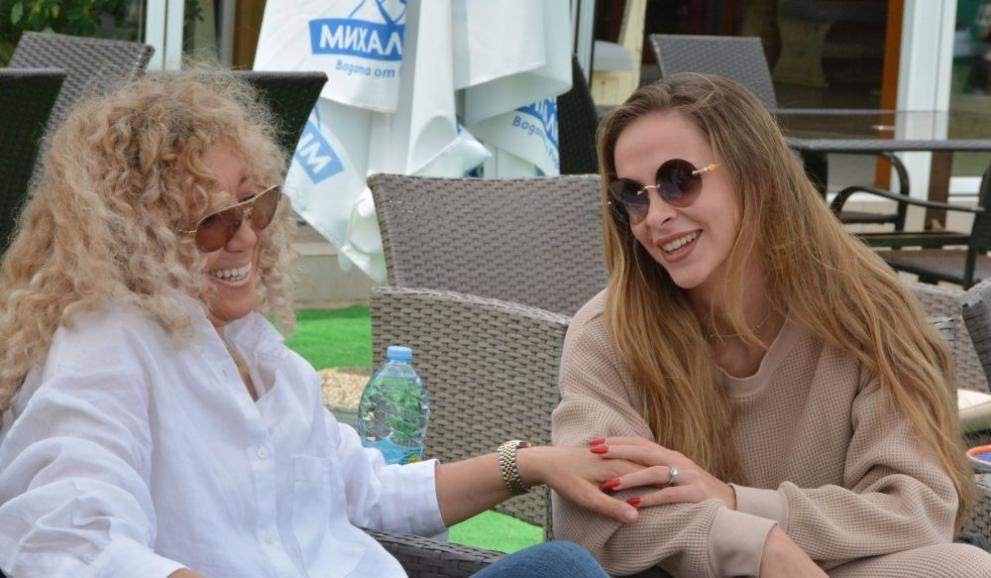 Лолита Османова и майката на Григор Мария