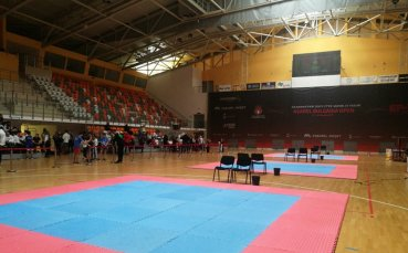 Силна конкуренция на Държавното по кикбокс в Панагюрище