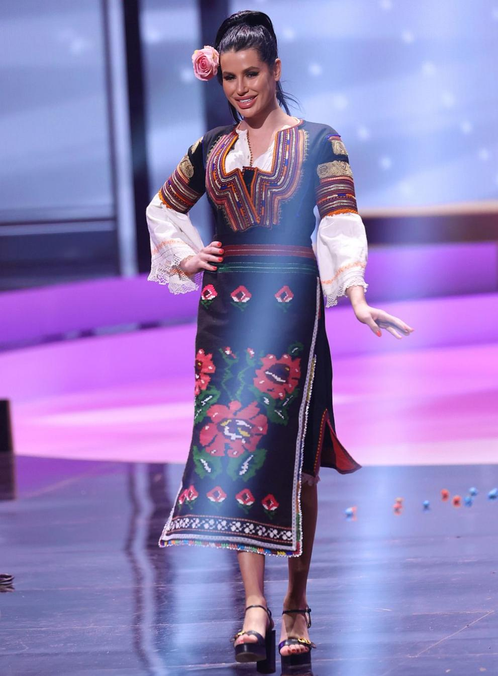 Мис България Радинела Чушева на конкурса Мис Вселена
