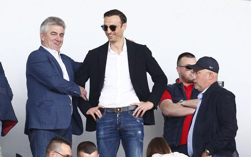 Димитър Бербатов предупреди английската звезда Хари Кейн, че го очакват