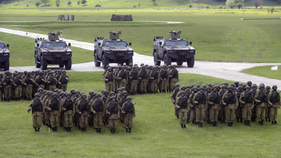 Паралелни военни учения на Русия и на САЩ на Балканите