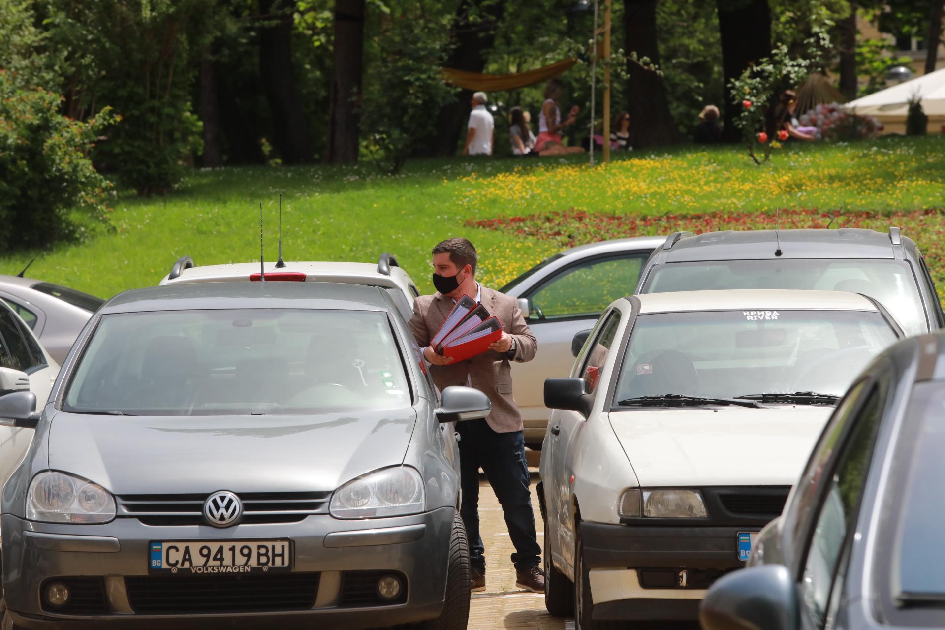 <p>&quot;Българските патриоти&quot; се регистрираха в ЦИК за предстоящите парламентарни избори</p>