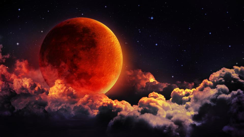 кървава супер луна пълнолуние