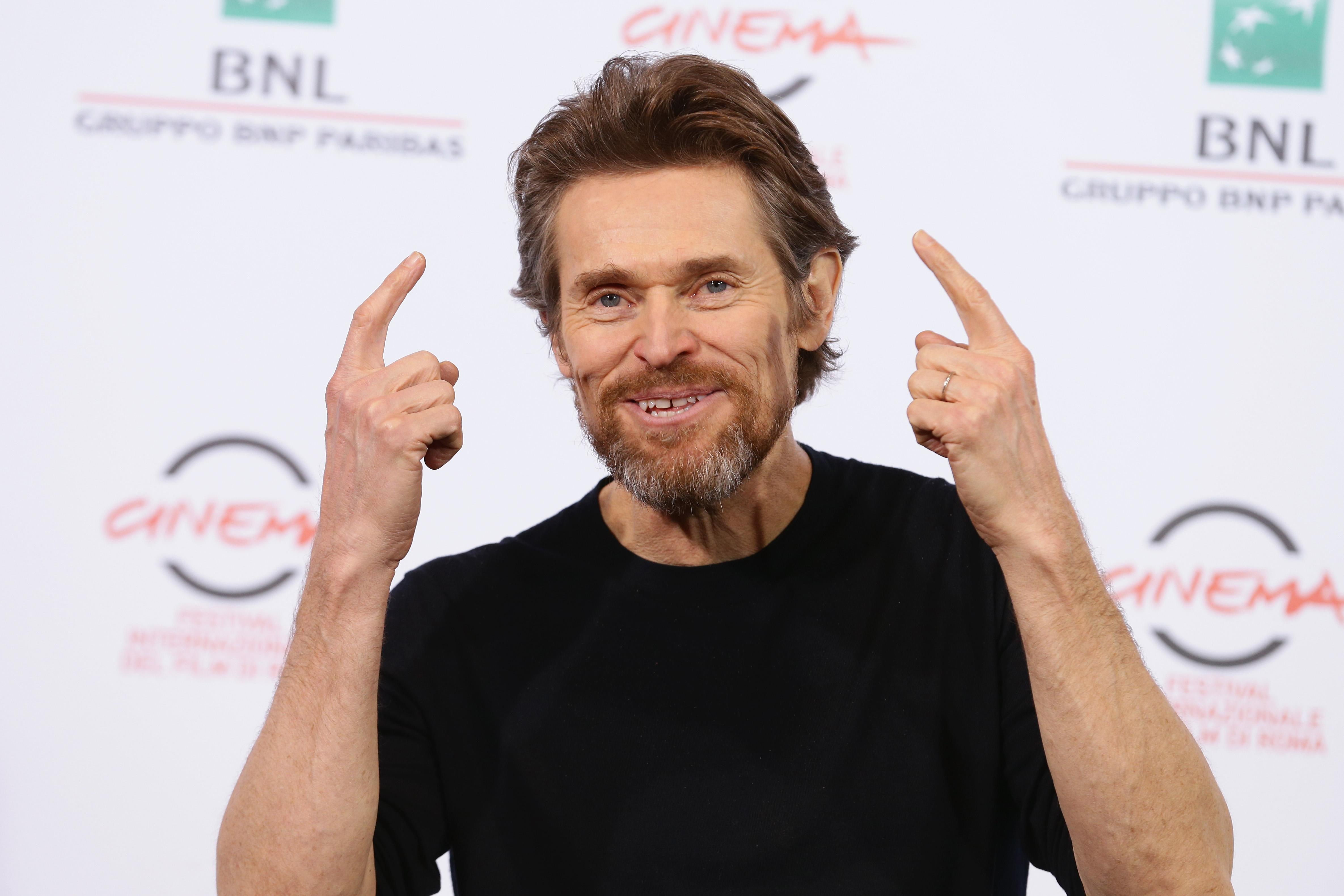 <p><strong>Уилям Дефо, &bdquo;Антихрист&ldquo;&nbsp;</strong></p>  <p>Уилям Дефо използва двойник за пениса си във филма от 2009-та година &bdquo;Антихрист&ldquo;. За заснемането на сцената режисьорът Ларс фон Триер иска да използва порно актьор. Той самият твърди, че има нужда от пенис с нормален размер, защото този на Дефо бил твърде голям.&nbsp;</p>