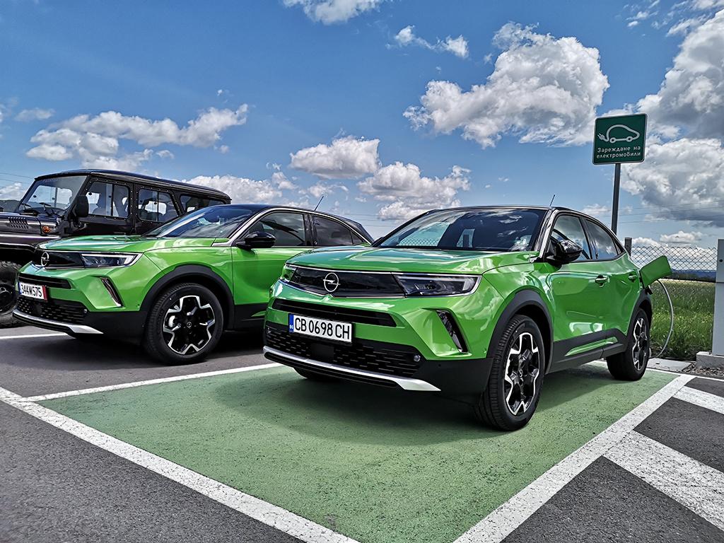 """Германците може и да нямат традиции в приготовлението и пиенето на кафе, но Mokka промени нещата. Това """"кафе"""" бе толкова силно, че се превърна в един от най-успешните модели на Opel през последното десетилетие."""