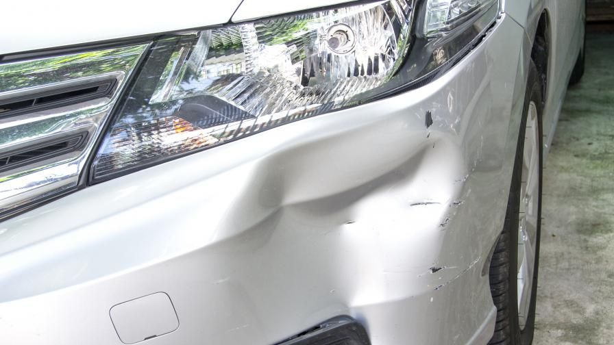 21-годишен шофьор помете 5 автомобила в Пловдив