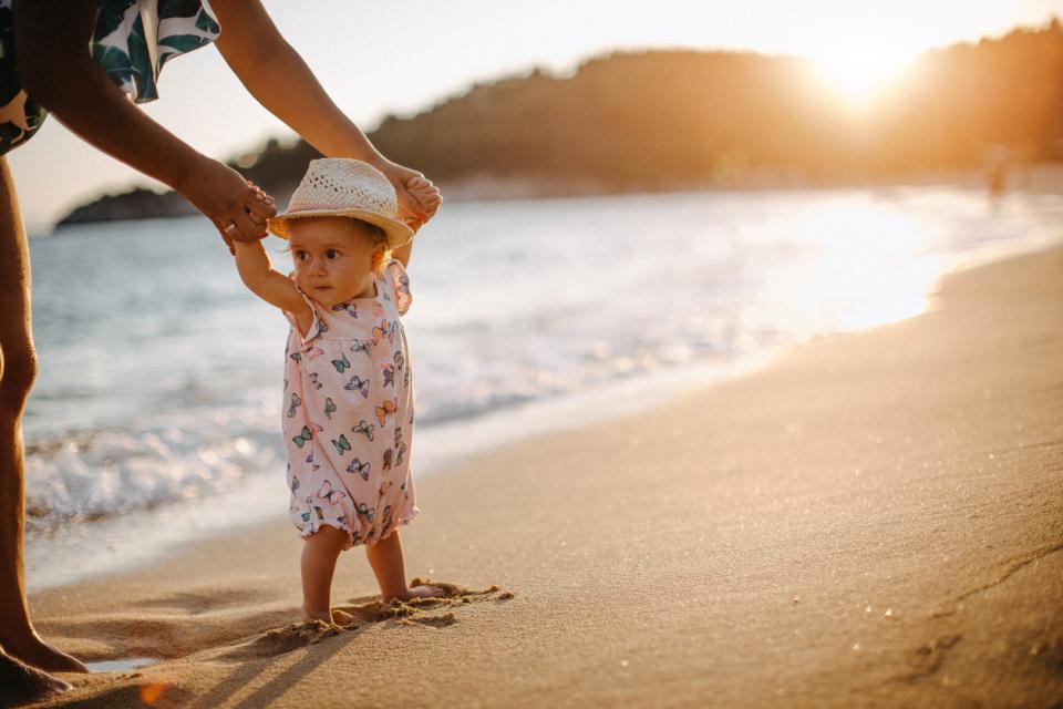 бебе лято море плаж