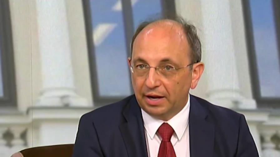 Василев: Нямаме нужда от банка за развитие на олигархични групи