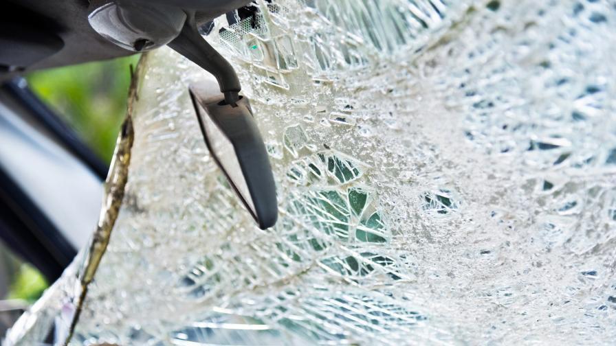 Катастрофа на пътя Бургас-Елхово взе жертва, дете е с опасност за живота