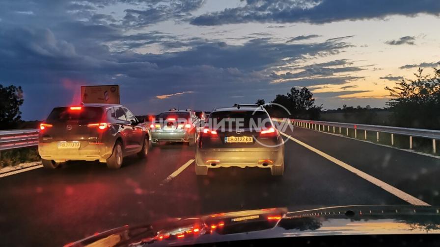 """Километрично задръстване на магистрала """"Тракия"""""""