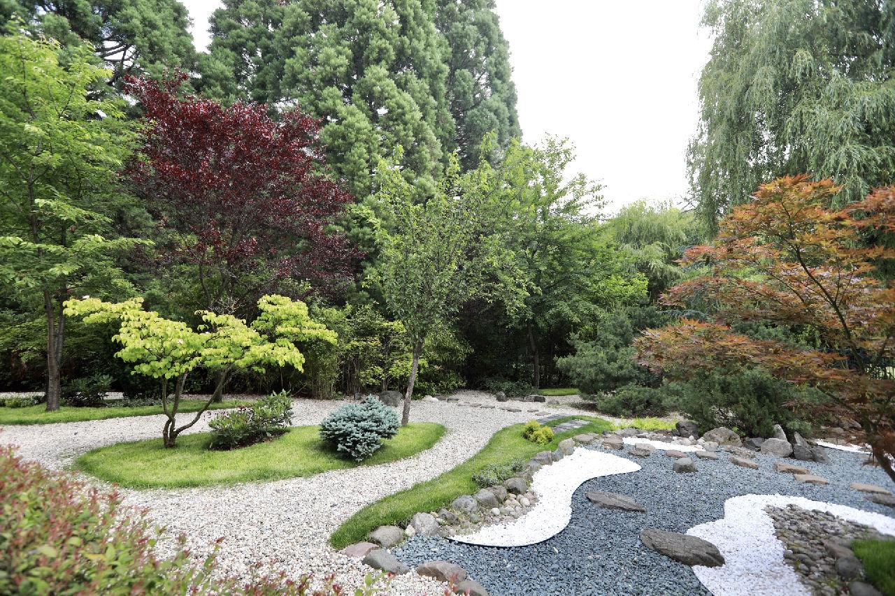<p>Японската градина в столичния зоопарк е създадена през 2006-2008 г. от японския доброволец и ландшафтен архитект Суемацу Торо и е единствената общественодостъпна японска градина в София</p>