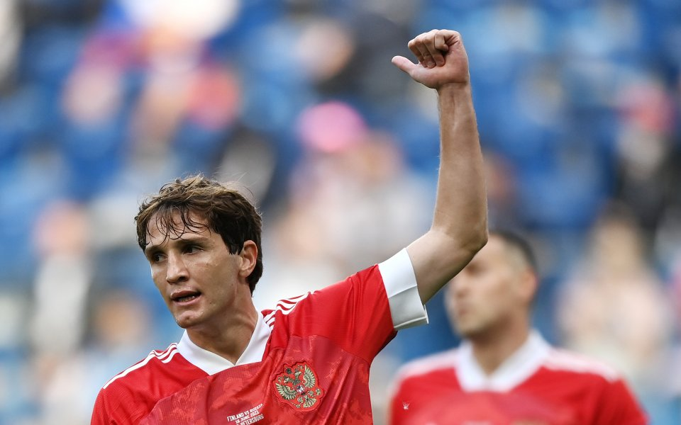 Руският национал Марио Фернандес поднови тренировки със своите съотборници в