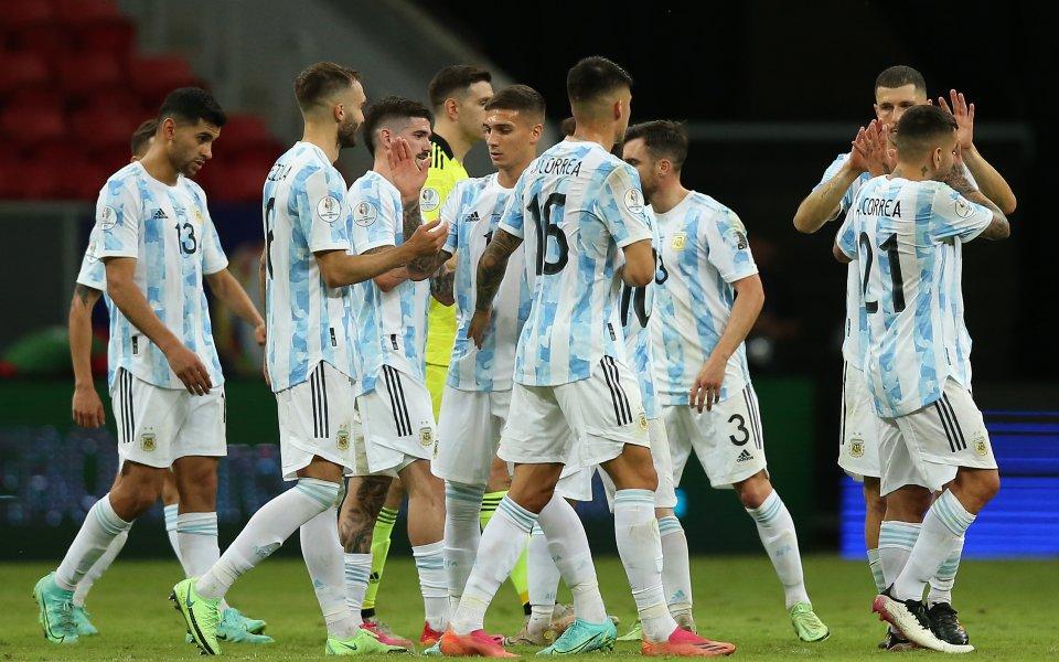 Аржентина се класира за четвъртфиналите в турнира Копа Америка, след