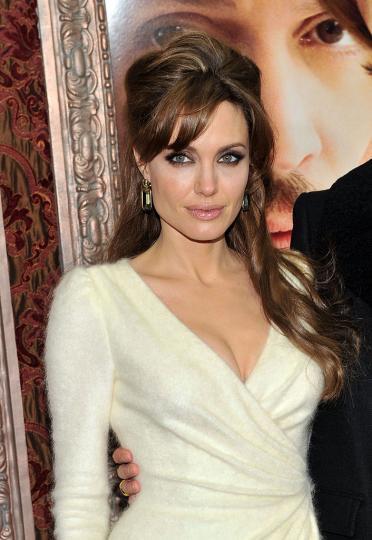 <p>Анджелина Джоли</p>