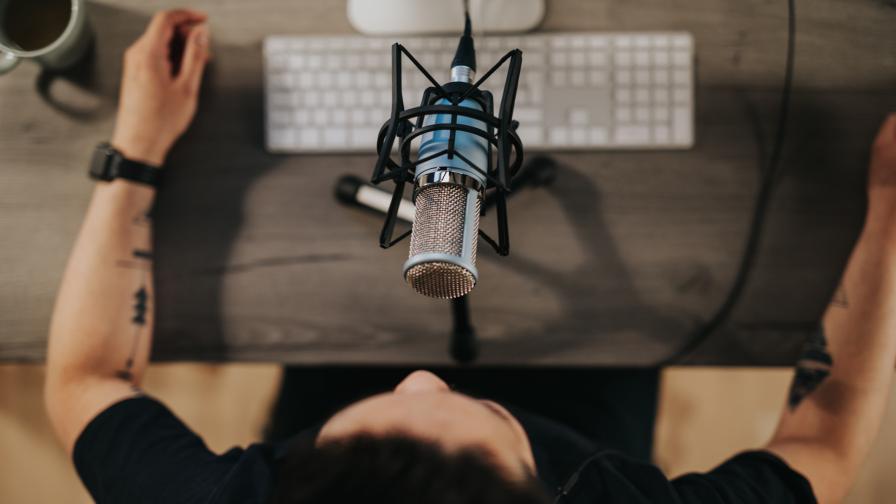 Топ 10 български подкасти, които да слушаме