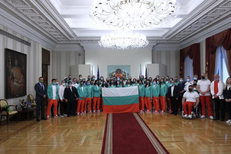 Президентът връчи българския флаг на българските олимпийци