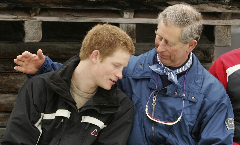 Истoрия в снимки: Как се промениха отношенията между Хари и принц Чарлз през годините