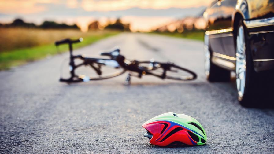 Велосипедист на 17 г. почина, блъснат от пияна шофьорка