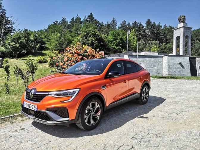 Renault Arkana галерия