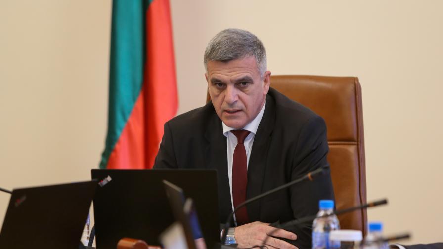 <p>Стефан Янев: Идват трудни времена, партиите да бъдат отговорни</p>