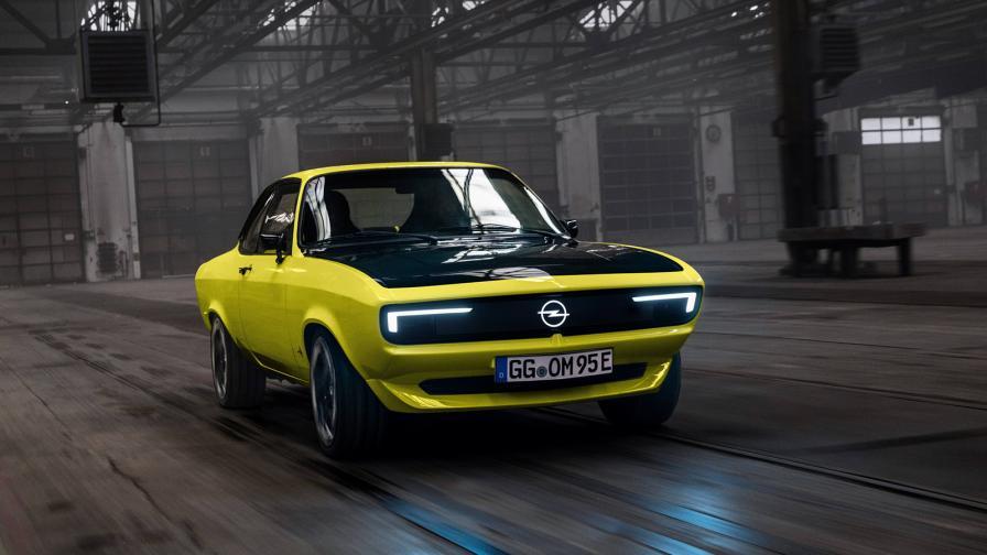 На снимката: Opel Manta GSe ElektroMOD / Като част от т. нар. EV Day на Stellantis, Opel обяви своята стратегия за следващото десетилетие. Най-важната част в нея гласи, че от 2028 г. в Европа ще се продават само електрически модели Opel.