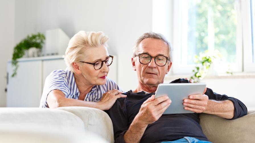 Курсове по дигитална грамотност ще помагат на възрастните
