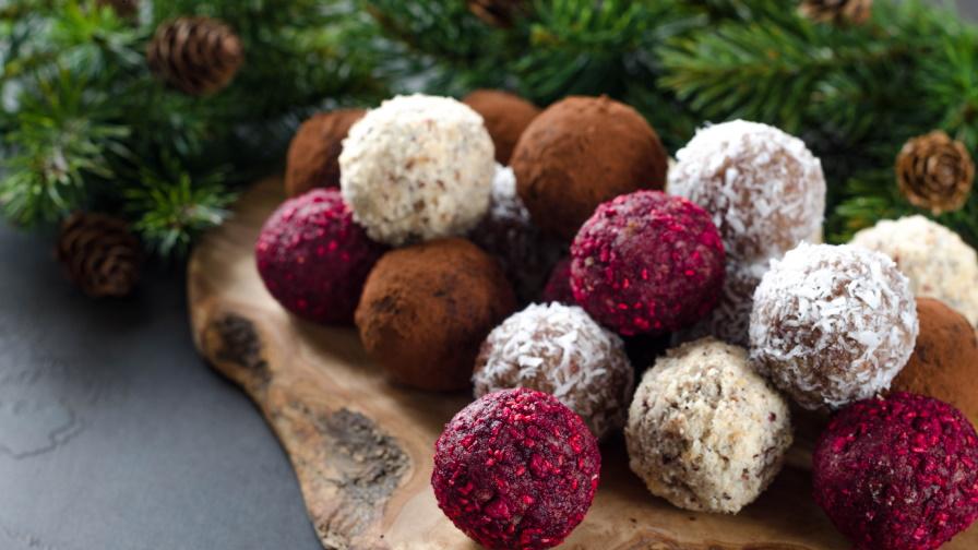 Здравословни бонбони от кокос и малини