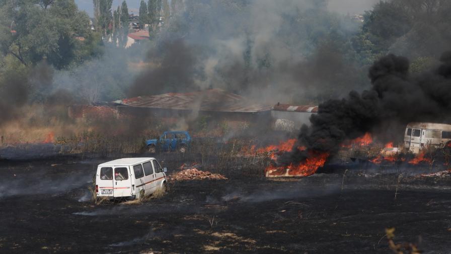 Пожар в София на Околовръстното шосе