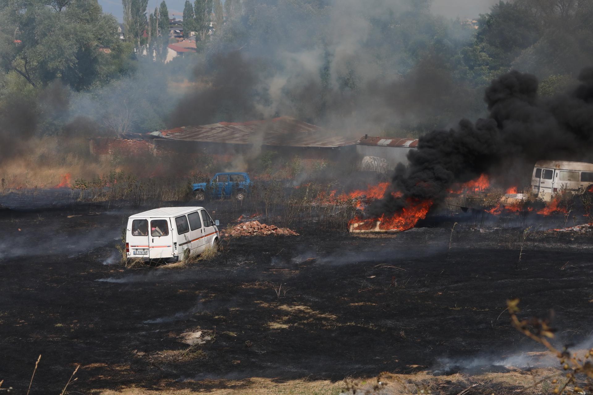 <p>Пожар в София на Околовръстното шосе</p>