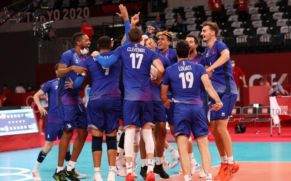 Франция победи драматично с 3:2 (21:25, 25:22, 21:25, 25:21, 15:9)