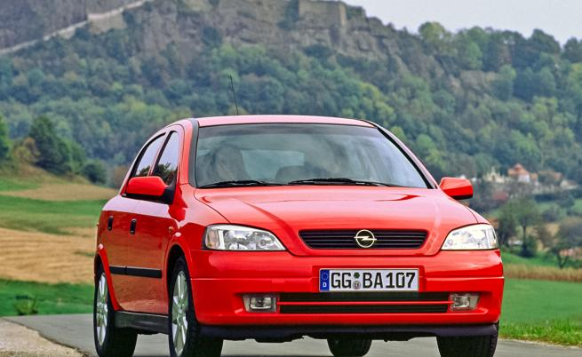 30 years and 15 million later: New Opel Astra – In anticipation of technology