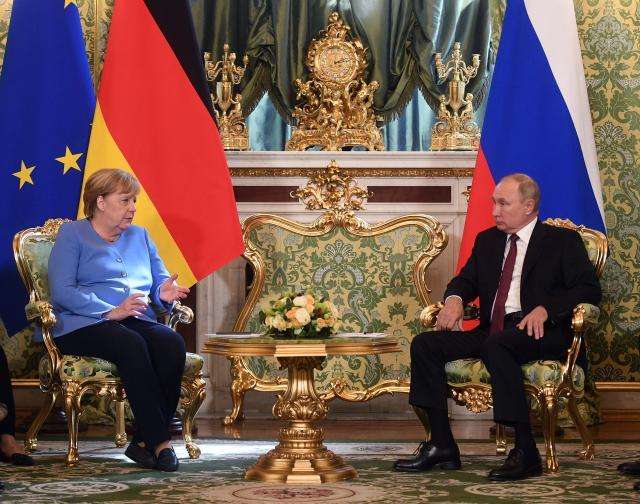 Меркел и Путин