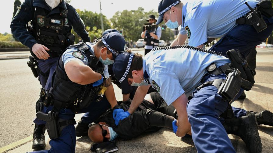 Бунтове срещу COVID мерките в Австралия