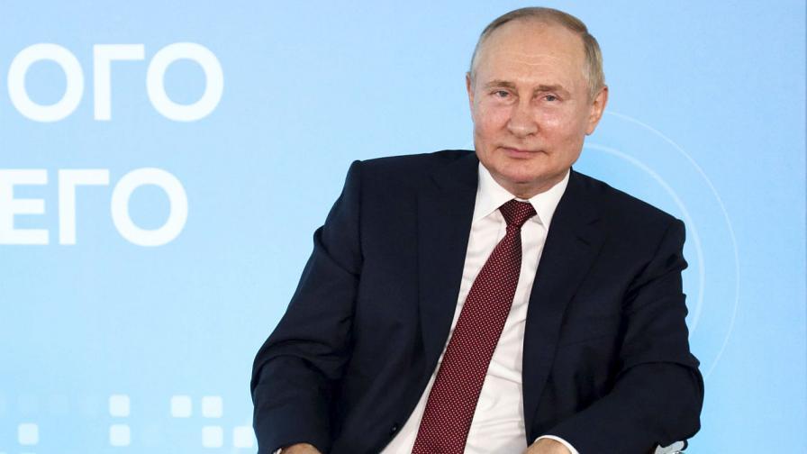 Руският президент Владимир Путин се срещна с ученици по повод началото на новата учебна година