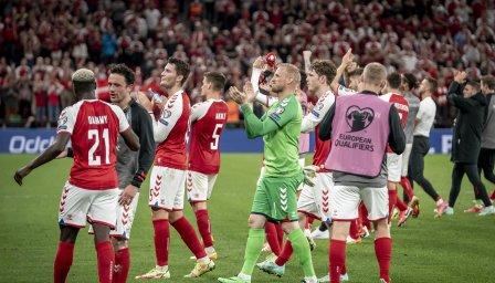 Скандал с датския национален отбор след парти в басейн с девойки