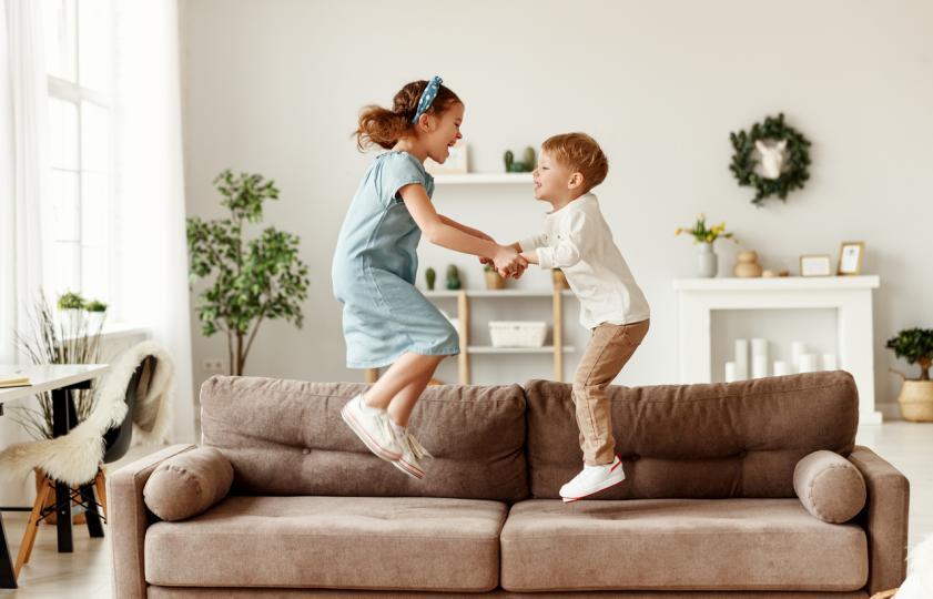 Възрастовата разлика: предимства и недостатъци