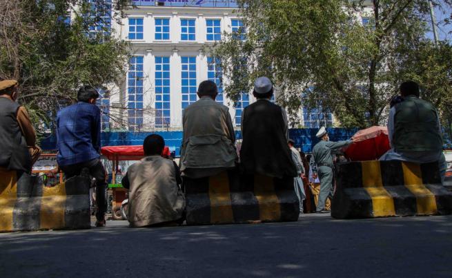 90% от афганистанците нямат достатъчно храна: новият живот при талибаните