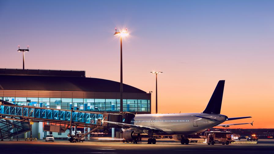 летище самолет